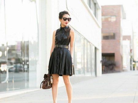 שמלת עור קצרה וקטיפה