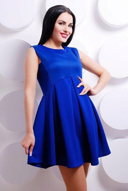Blå flakkede kjole med høy midje