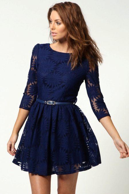 Mørkblå flared kjole fra midjen