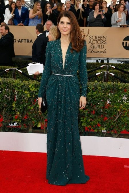 Marisa Tomei in Zuhair Murad kleed zich aan tijdens de Screen Actors Guild Awards-2016