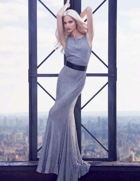 Neulottu harmaa kiiltävä mekko