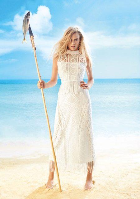 Vestido de praia rendado