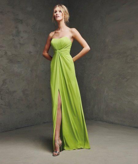 Korkea vyötäröinen hihaton mekko