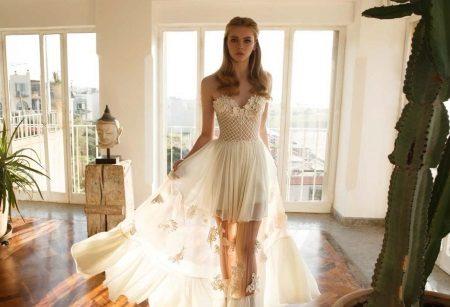 Stroppløs brudekjole med gjennomsiktig skjørt