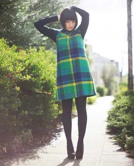 Wool dress-dress in a large green and black cell