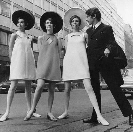 Vestidos trapezoidais dos anos 60