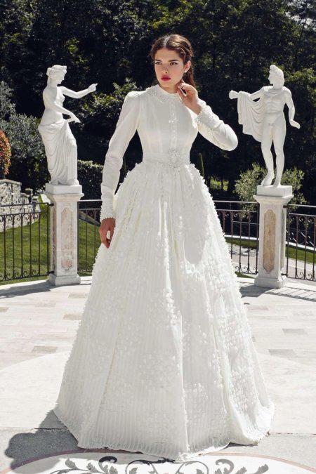 Vestuvinė suknelė uždaryta