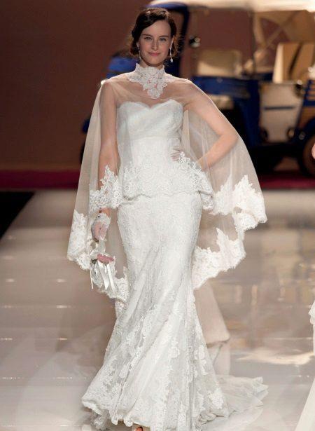 Cape cu dantelă pentru rochia de mireasă