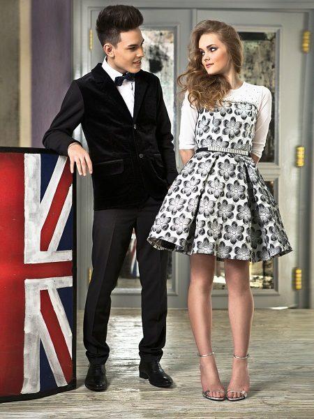 Elegáns ruha lányoknak az új íj stílusában
