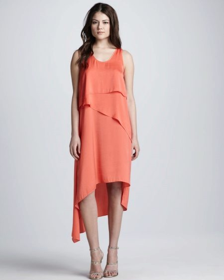 Fashionable mallet dress with flounces of spring-summer 2016