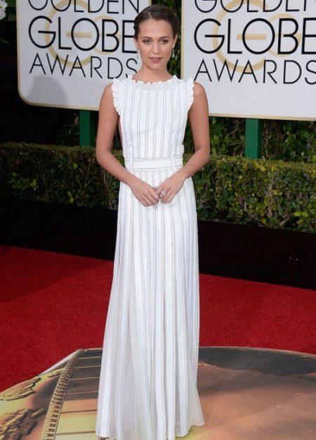 Fashionable long white dress 2016