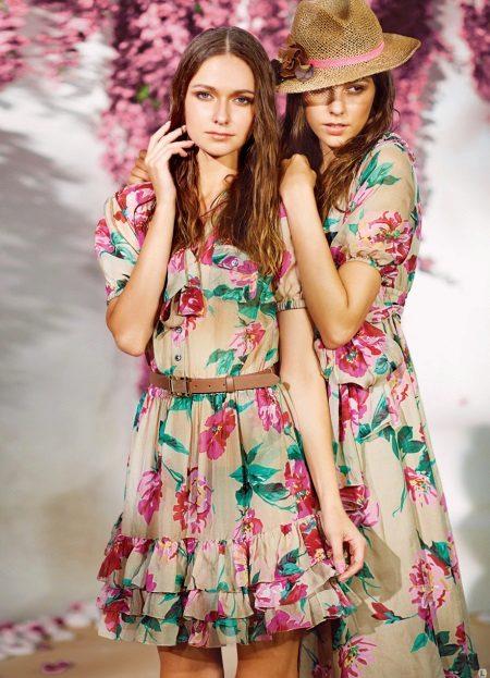 Vestido com estampa floral para adolescentes