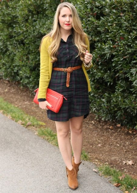Accessories for checkered shirt dress