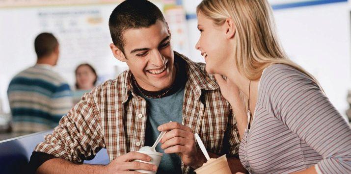 Flirten während eines gesprächs